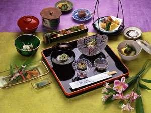 割烹竹島の会席料理一例